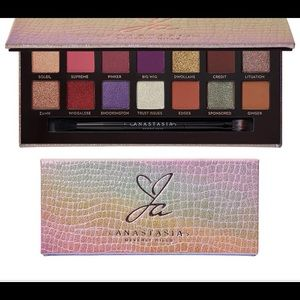Abh Jackie Aina Limited Edition palette